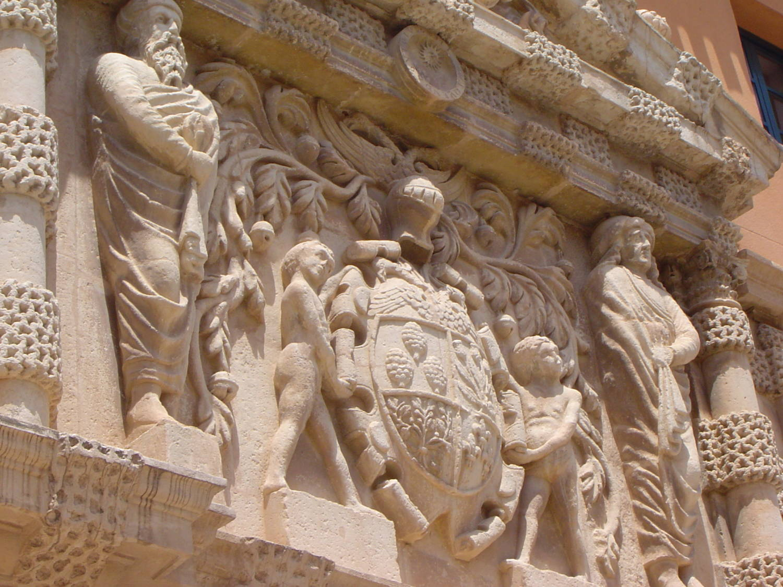 Fachada de Casa Grande - Palacio de los Condes de Cirat en Almansa - Hostal el Estudio